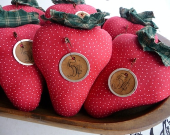 Primitive Strawberry tuck ornie bowl fillers
