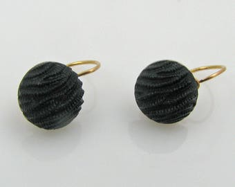 Captivating Antique Victorian 18 Carat Gold French Dormeuse Carved Jet Mourning Earrings.