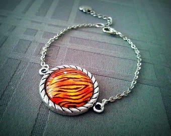 Tiger, glass cabochon 20mm, tiger stripes, old silver bracelet