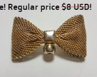 SALE!Vintage Gold Tone Mesh Bow Brooch/Goldtone Pin/Vintage jewelry