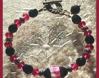 Fuchsia, Black & Silver Faceted Beaded Bracelet with Gorgeous Silver-Foiled Focal Bead, Patterned Toggle Clasp, Holiday Bracelet, SRAJD