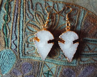 RICHARME White Druzy Arrowhead Earrings