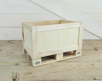 Rustic wooden box - small size