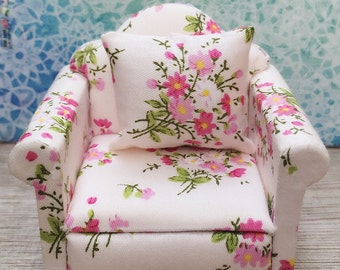 Miniature Armchair,Miniature Flora Armchair,Miniature Furniture,Dollhouse Furniture,Miniature Pillow,Dollhouse armchair,Miniature Chair