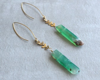 Green Agate Fishbone Chain Earrings