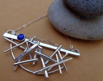Sofort lieferbar! Pick-Up-Sticks - Lapis und Sterling Silber Kunst Schmuck Halskette von Judi Goldblatt Studio