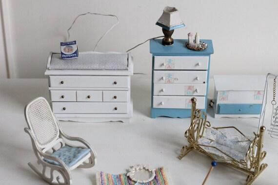 Sistema de muebles de sala de muñecas Vintage bebé