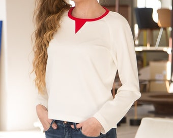 Blouse with a contrast color