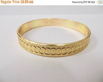 On Sale Vintage Patterned Gold Aluminum Bangle Bracelet Item K # 1977