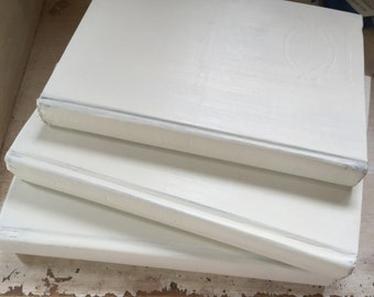 White Neutral Books, Book Decor, French Country, book decor, Wedding Trend, Neutral Books, Beige Books, Old Book Stack, Painted Books