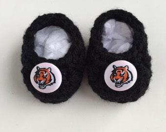 Cincinnati Bengals baby booties, baby booties, infant shoes, crochet baby booties, booties for baby, crochet baby shoes