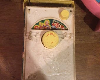 VINTAGE  Fisher price music box radio  # 161 , 1960's plays  the old woman who lived in the shoe