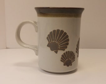 Vintage 1960s Otagiri Style Seashell Motif Glazed Coffee Mug, Tea Mug, Coffee Cup, Tea Cup