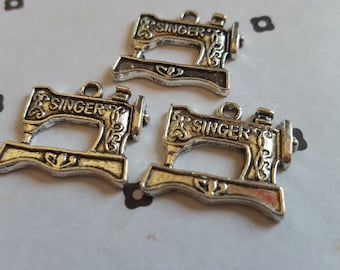 Singer machine charms 17x20mm (3)