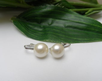 Girls Ivory Pearl Clip on Flowergirl Earrings, pearl earrings, ivory earrings, flowergirl clip on earrings, wedding clip on earrings