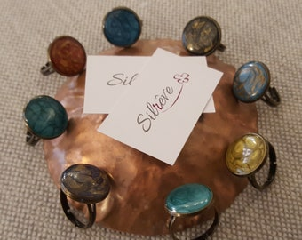 round shape ring, adjustable size, varnished by hand