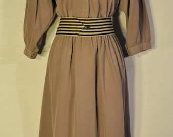 Women's vintage Tan Dress