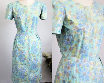 Vintage 1940s Wiggle Dress / 40s Printed Day Dress / Floral Print Dress / 1940s Casual Dress / Vintage Watercolor Print Dress