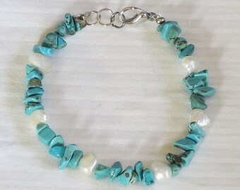 turquoise and pearl beaded bracelet