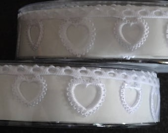 White Hearts Garland Ribbon - 5 meter reel