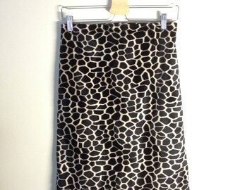 90's Faux fur cheetah print //Animal skirt