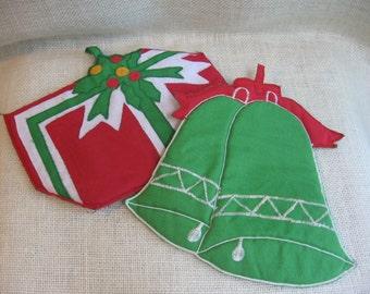Vintage Christmas Pot Holders / Set of 2 / Bell Pot Holder / Present Potholder / Kitchen Decor / Christmas Kitchen Linens / Hanging Decor