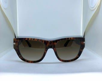 Persol wide wayfarer brown tortoise shell frames