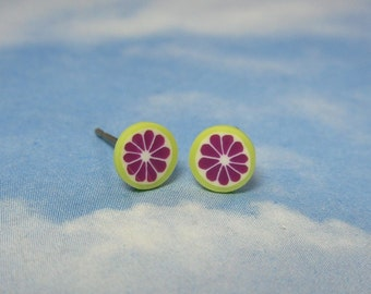 Itty bitty pink grapefruit slice post earrings -citrus-  hot ruby pink and green -Free Shipping USA - TINY earrings