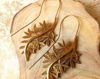 Leaf Earrings, Brass Leaf Earrings, Dangle Earrings, Drop Earrings, Nature Inspired, Brass Jewelry, Boho style, Brass Earrings, Handmade.