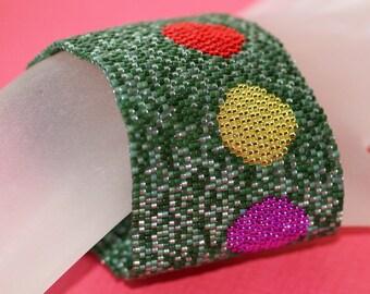 Christmas ... Peyote Cuff . Beadwoven Bracelet . Festive . Holiday . Metallic . Ornaments . Pine Green . Multicolor . Sparkly