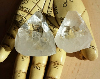 Apophyllite Pyramid for Raising Spiritual Potential, Apophyllite Points, Healing Crystals Stones, Witchcraft Crystals, Crystals for Grids