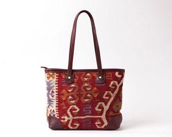Kilim shoulder bag,carpetbag,woman kilim bag, Turkish kilim bag, Handmade old Turkish kilim bag, Handmade kilim bag,Handmade carpet bag, bag