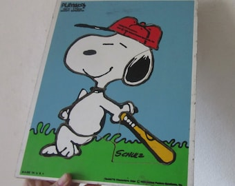 snoopy playing baseball puzzle