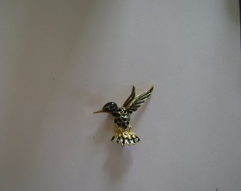 Enamel Black Bird Pin Signed Gerrys