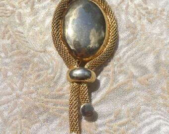 Vintage Gold Oval Brooch