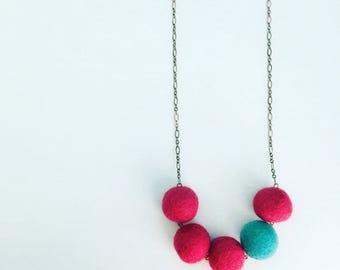 Southport Felt Necklace - Fuchsia / Turquoise