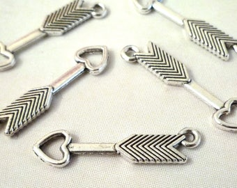 Set of 10 charms - arrow with heart - silver - 30x7mm