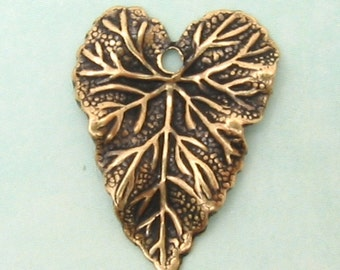 Brass Leaf Charm, Antiqued Gold, 6 Pc. AG97