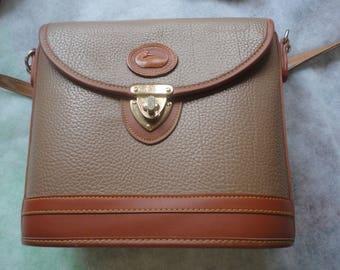 Vintage All Weather Leather Tan Brown Dooney and Bourke Handbag, Dooney and Bourke, Hard Leather Should Handbag, Tan Brown Dooney Bourke