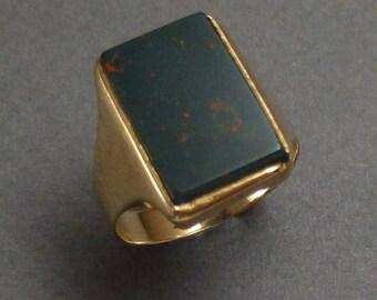 14K Bloodstone Ring size 8.25