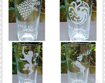 Set of 4 Engraved Game of Thrones Pint Glasses - House Stark,Targaryen, Baratheon + Lannister