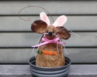 Primitive Easter peter Cottontail mouse | Easter mouse | Bunny Mouse with carrot | Homespun from the Heart | mouse of the month