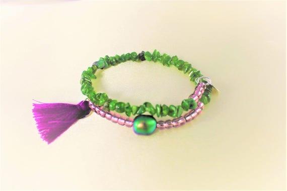 bracelet bohème chic pierres fines : tsavorite, perle nacrée swarovski, rocailles  et breloques