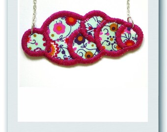 Necklace cloud in pink and blue floral fabric
