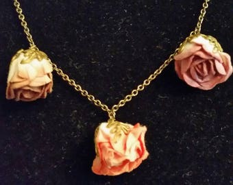 1980'S Paper Roses Necklace with Three Different Colored Roses. Arts and Crafts Style.