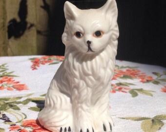 Small Porcelain cat, white cat. Miniature.