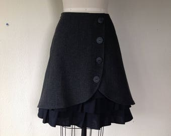 Isabelle wool ruffle front skirt Sz 6