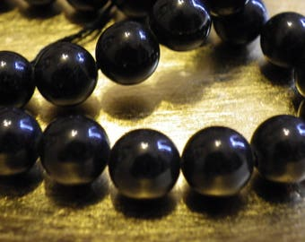 a 47 49 masham 8 mm black jade beads, Jasper stone of life