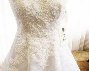 Mori Lee Wedding Dress, New, never been worn, still has original tags