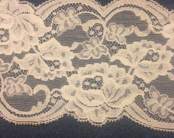 Vintage Ecru Floral Lace Trim--Four Inches Wide With Scalloped Edges--Chantilly-Style Vintage New Old Stock Lace Trim-Lot Of Four Yards